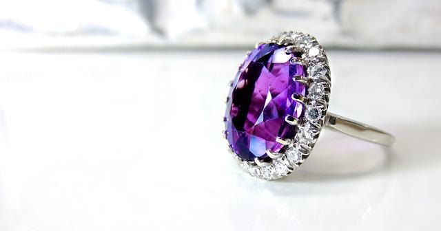 prsten, fialový kámen