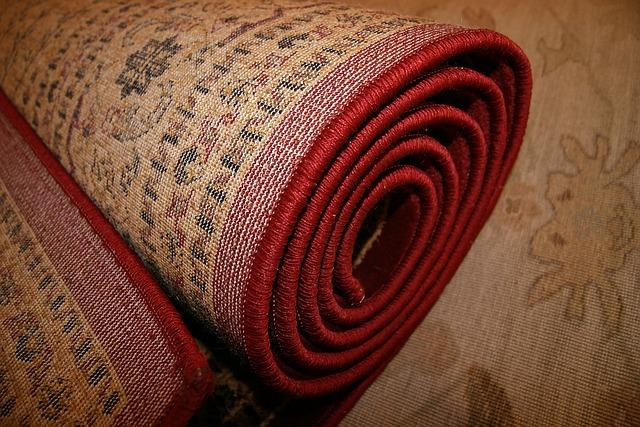 srolovaný koberec