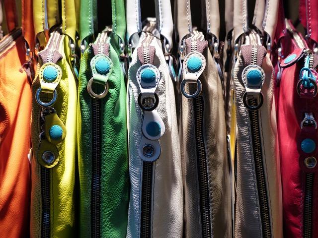 pestrobarevné tašky